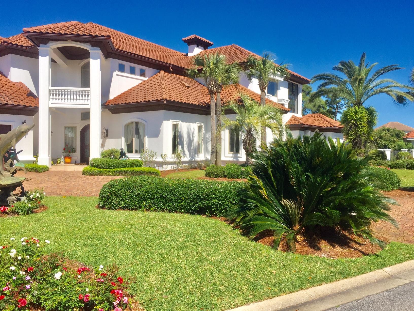 Photo of home for sale at 291 Corinthian, Destin FL