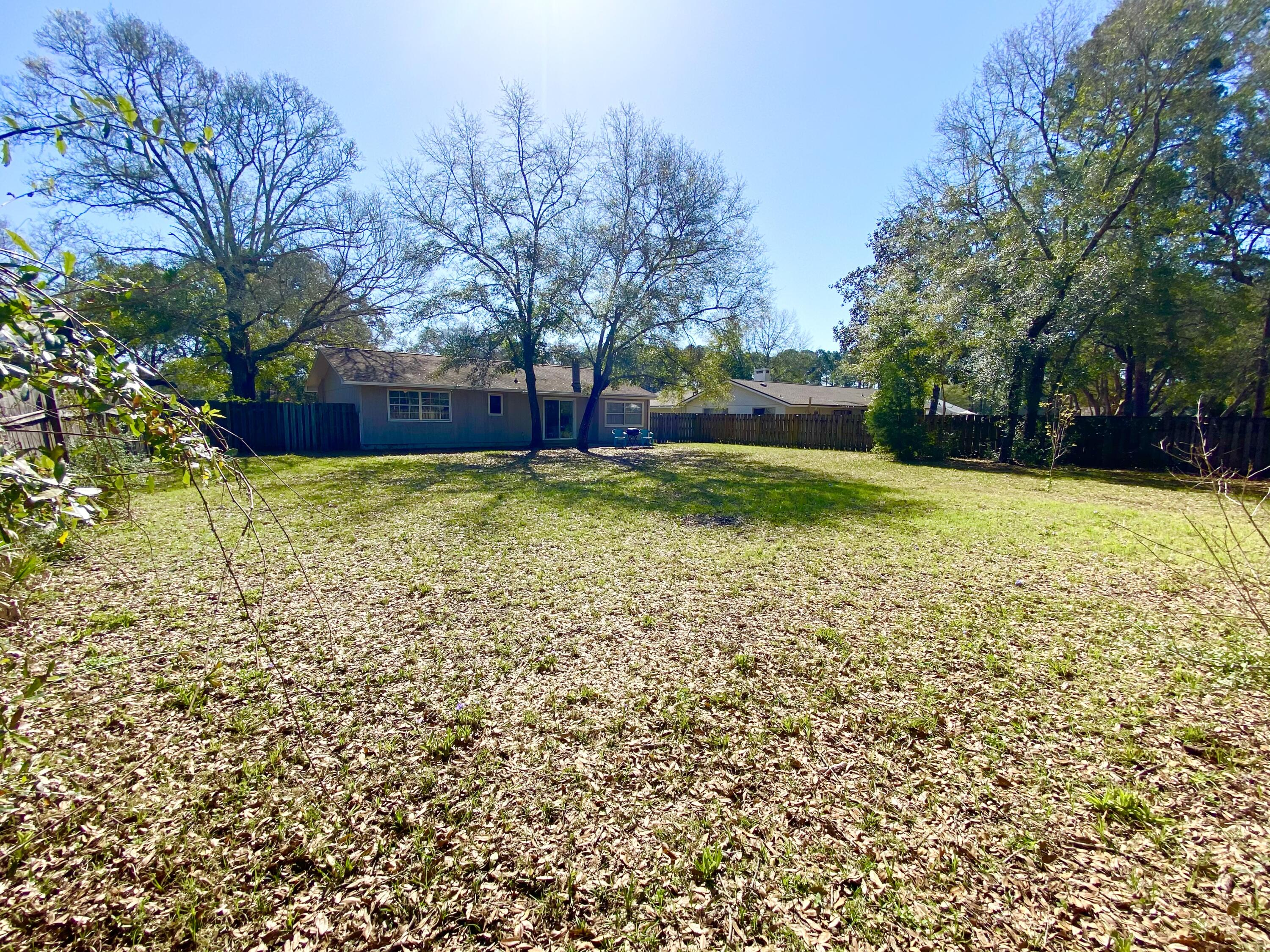 Photo of home for sale at 126 Patti, Niceville FL