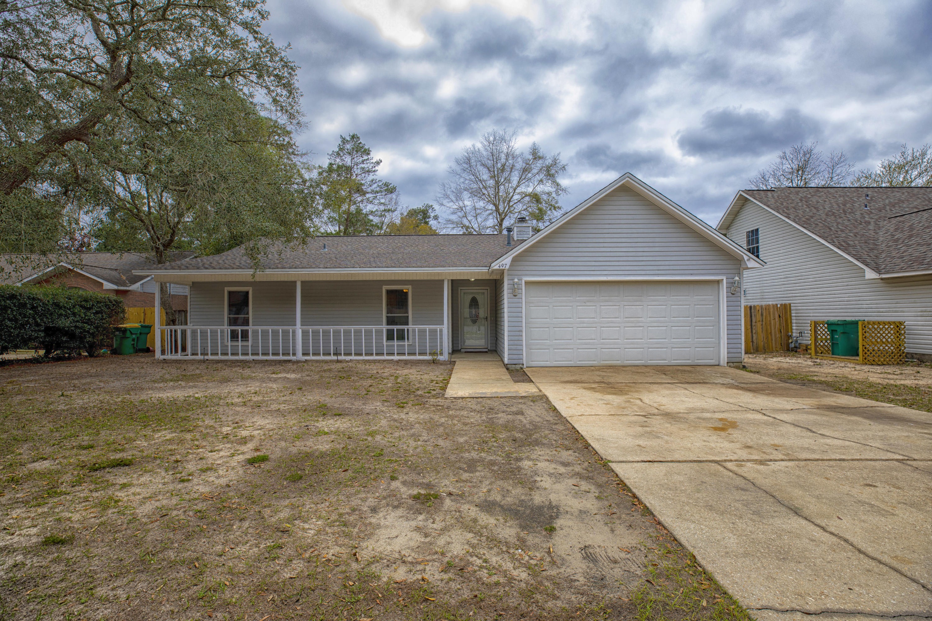 Photo of home for sale at 497 20th, Niceville FL