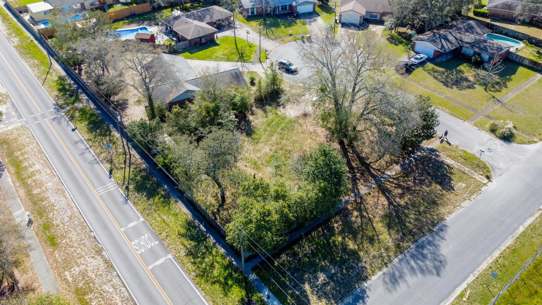 Photo of home for sale at 201 Devon, Fort Walton Beach FL