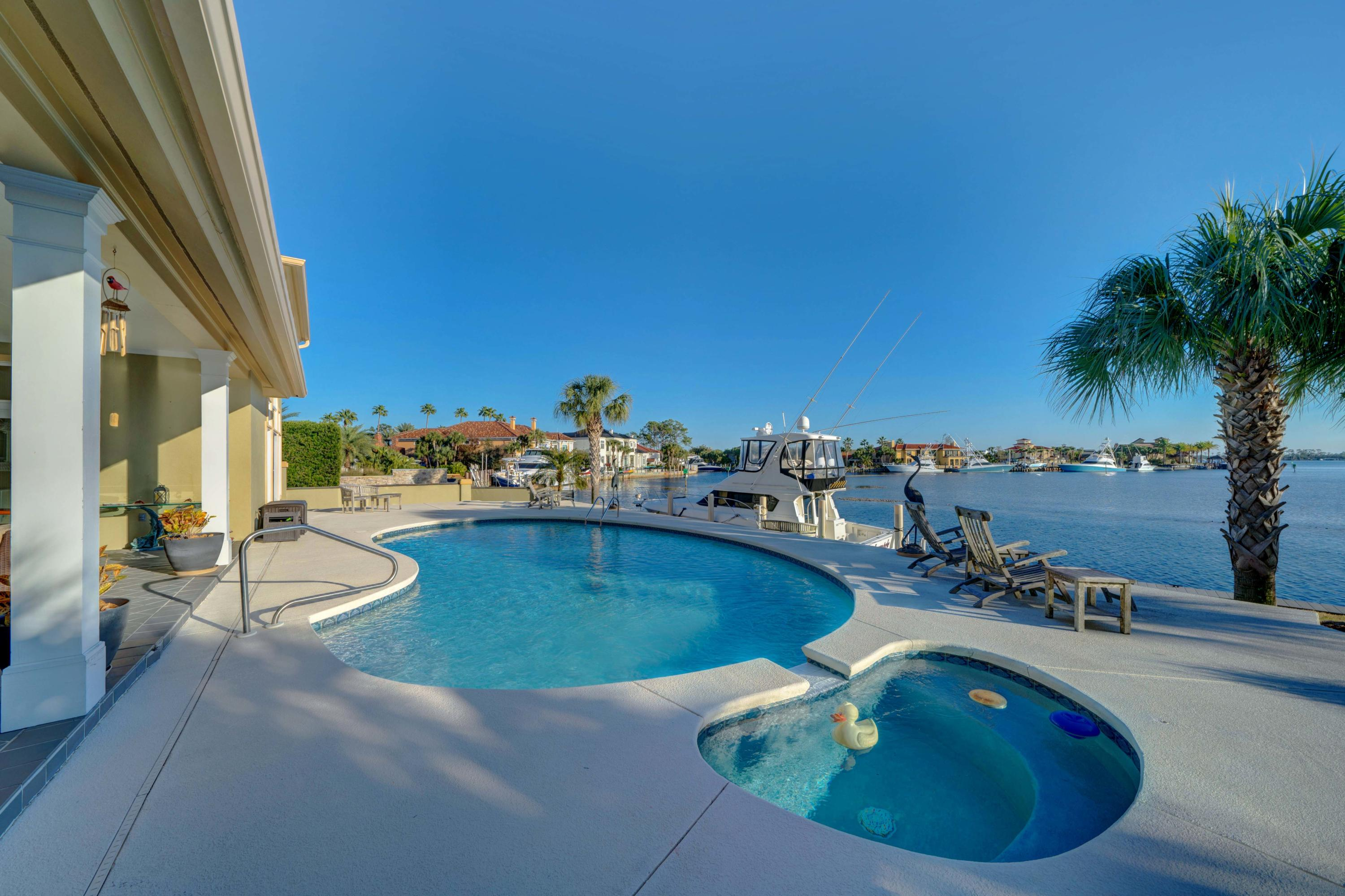 Photo of home for sale at 252 Marlin, Panama City FL