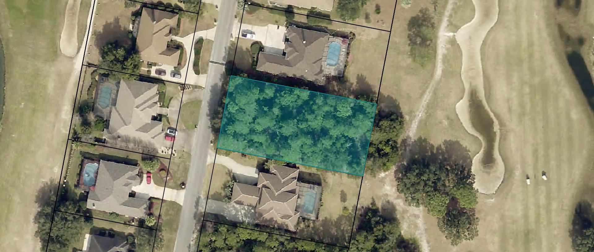 Photo of home for sale at 268 Magnolia, Valparaiso FL