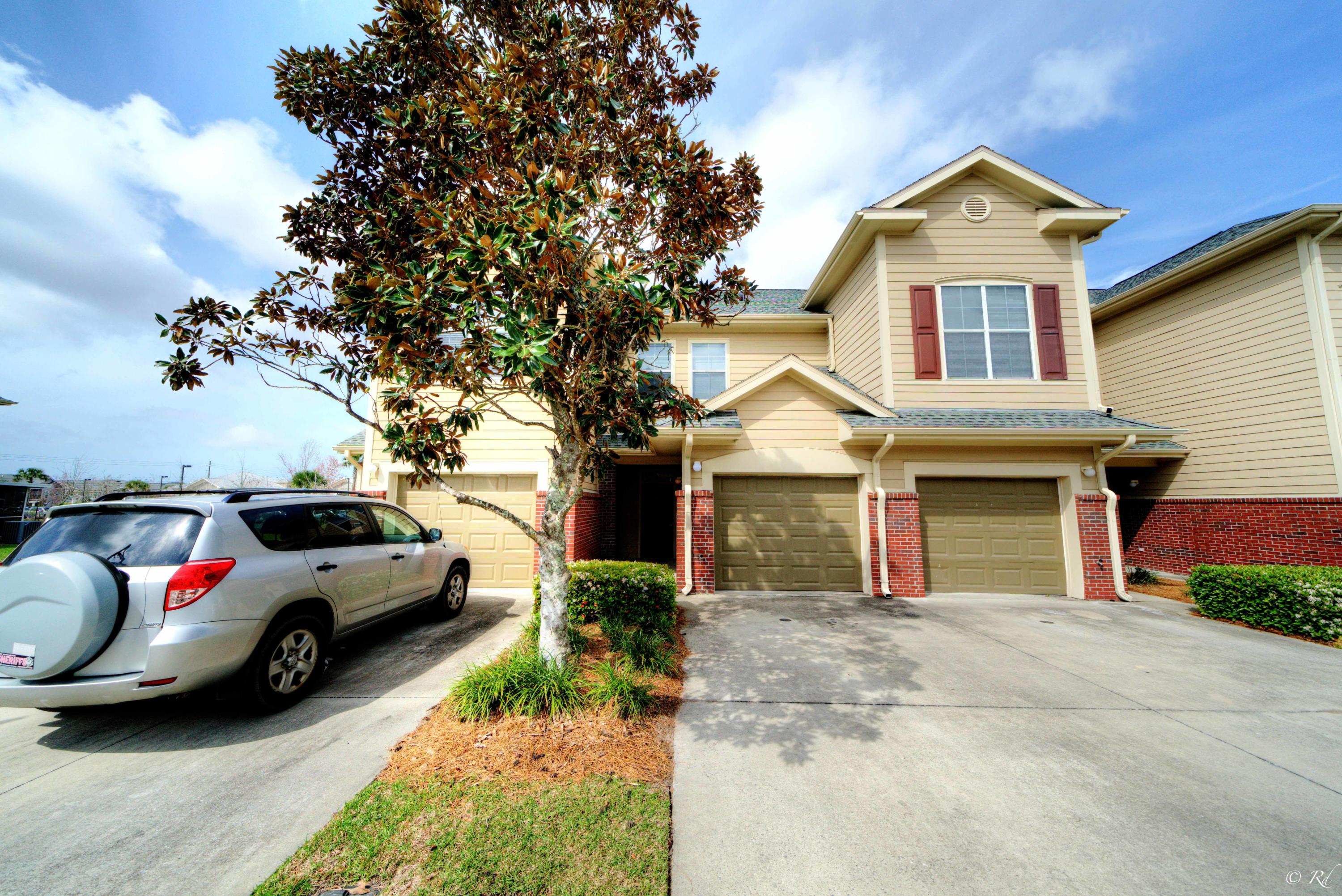 Photo of home for sale at 502 Baldwin Rowe, Panama City FL