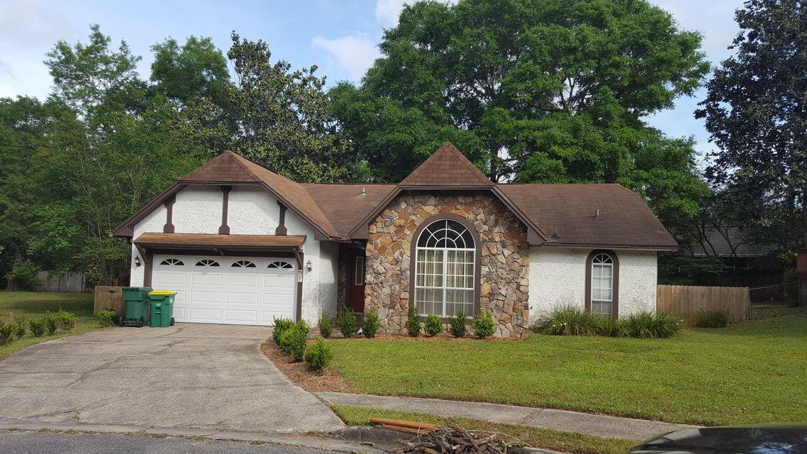 Photo of home for sale at 621 Kathleen, Niceville FL