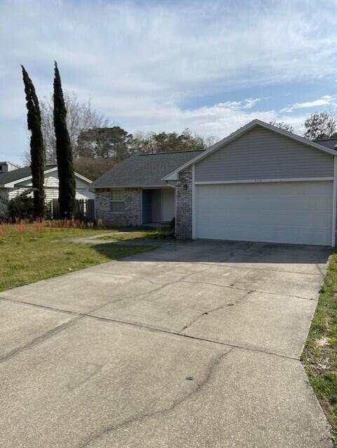 Photo of home for sale at 319 Austin, Mary Esther FL