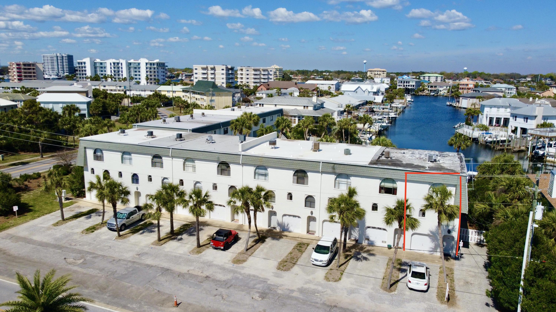 Photo of home for sale at 501 Gulf Shore, Destin FL