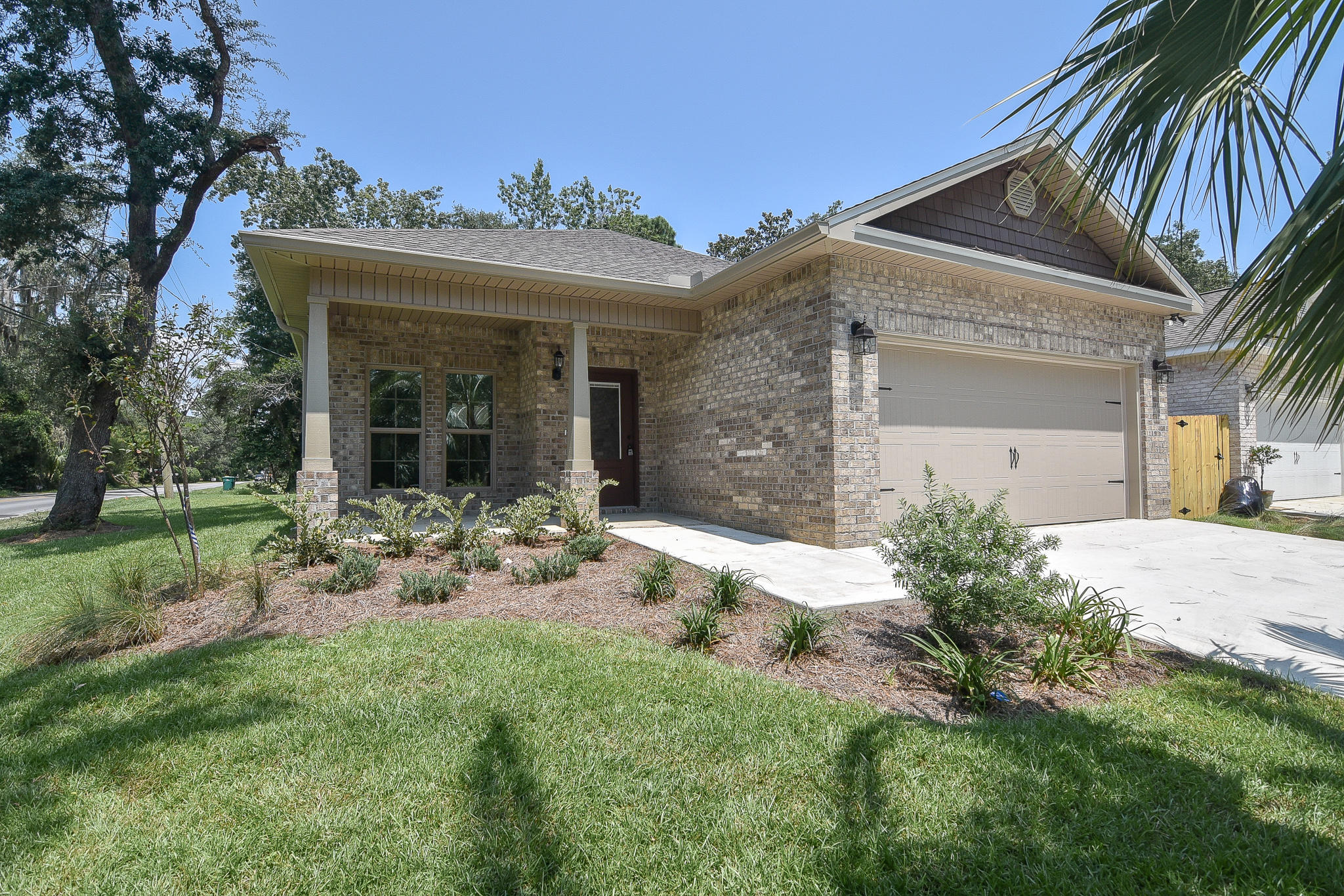 Photo of home for sale at 355 Lincoln, Valparaiso FL