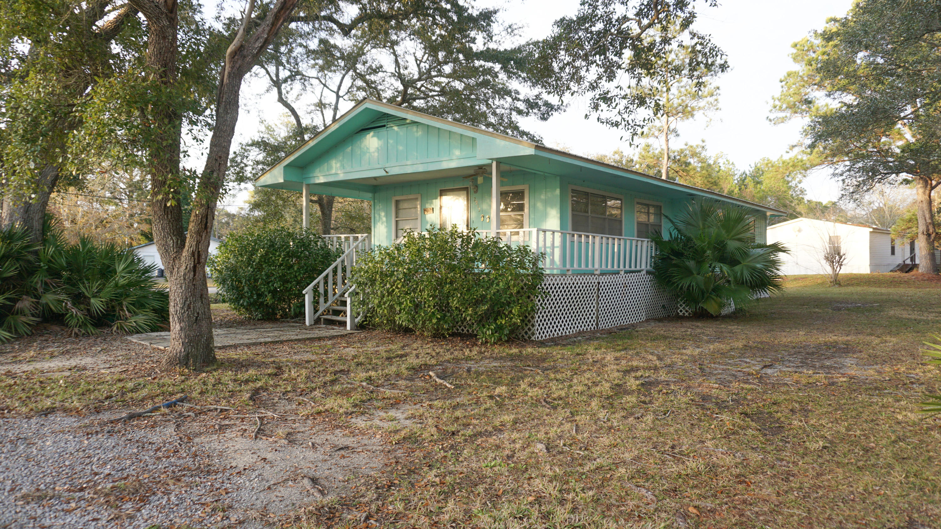 Photo of home for sale at 2915 Bay Grove, Freeport FL