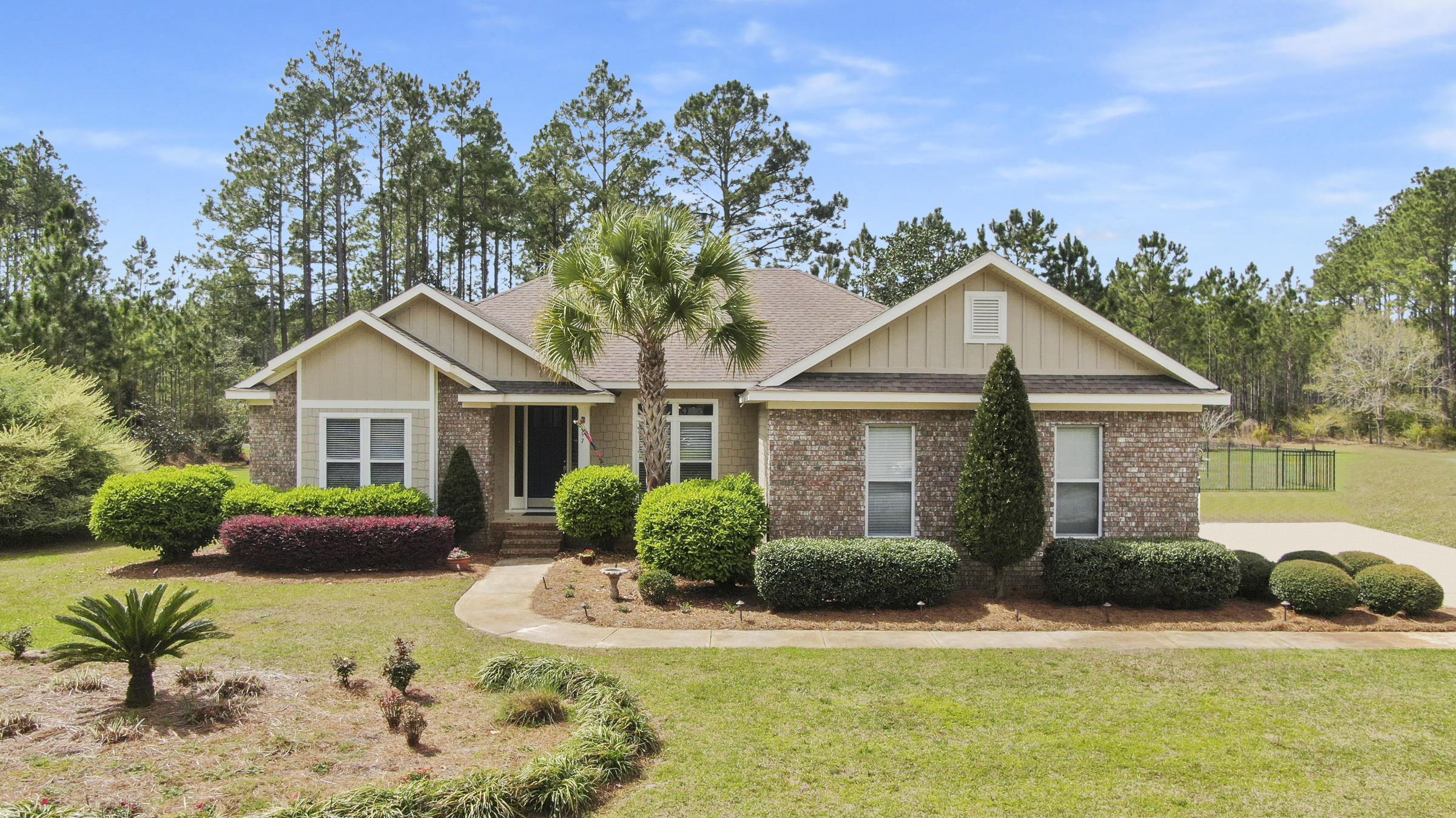 Photo of home for sale at 397 Windswept, Freeport FL