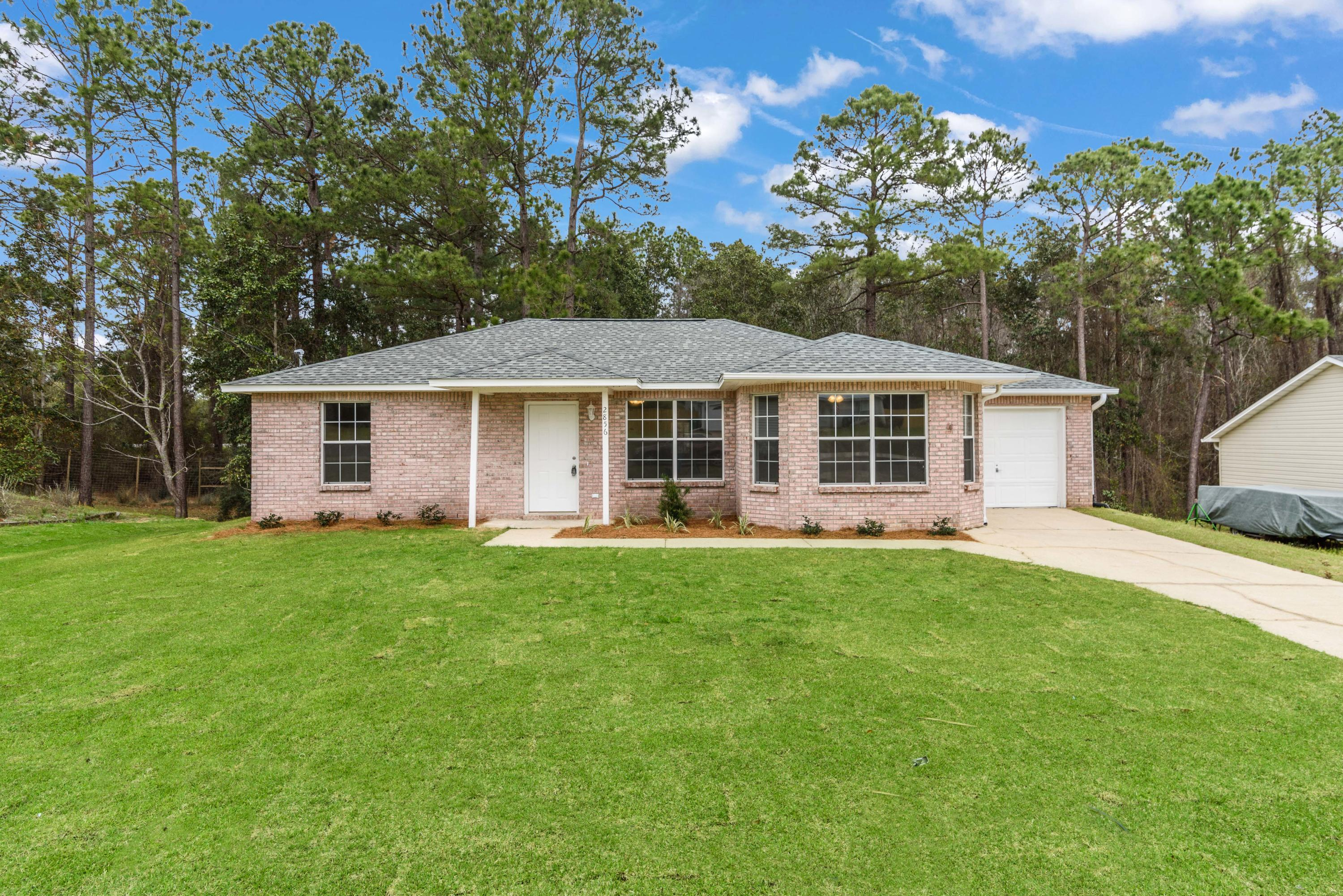Photo of home for sale at 2856 Penney, Crestview FL