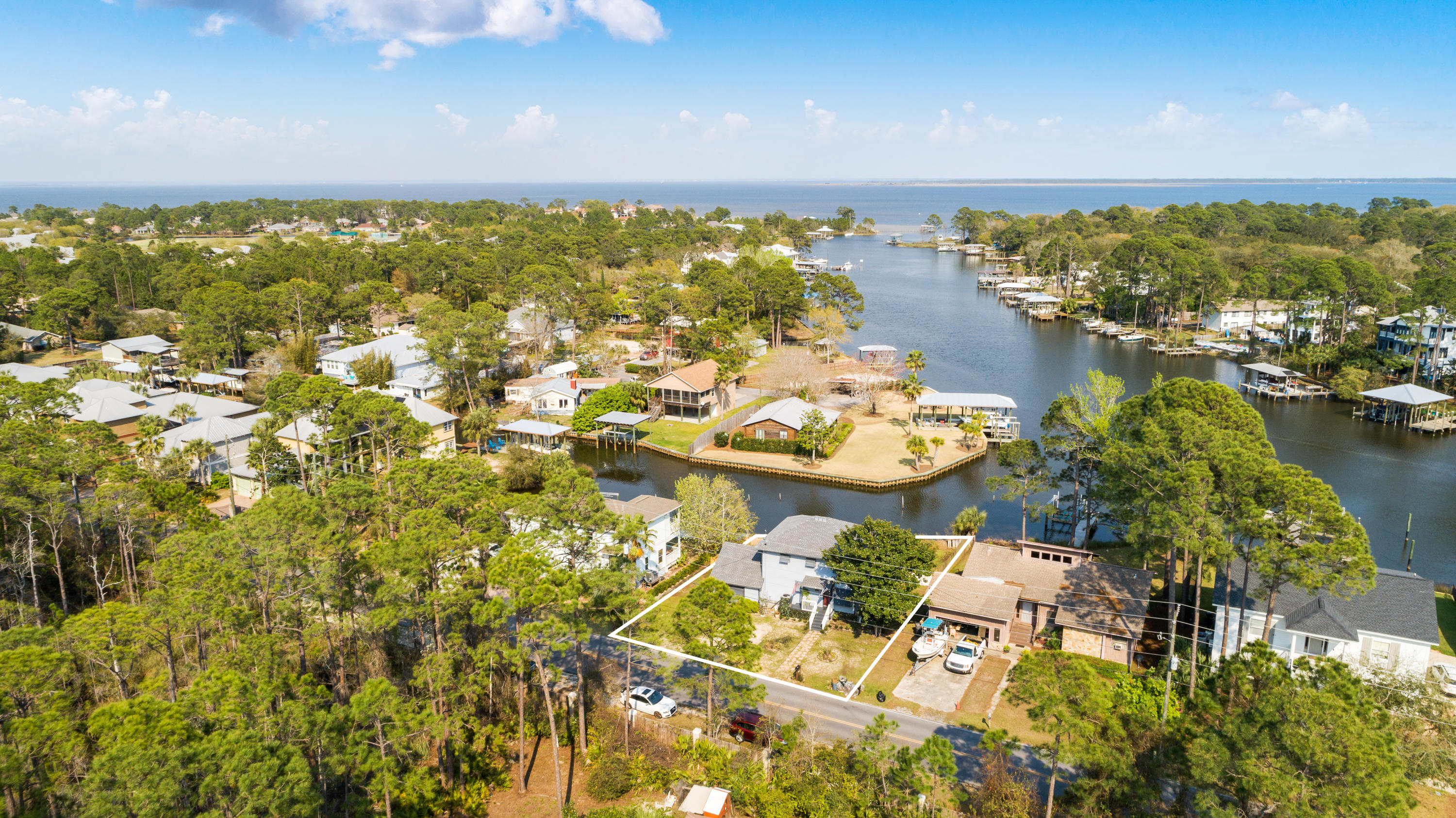 Photo of home for sale at 400 Harborview, Santa Rosa Beach FL