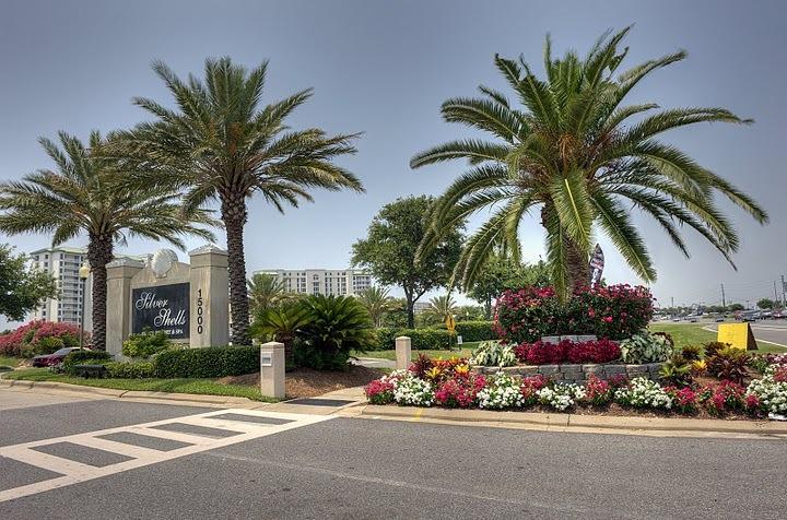 Photo of home for sale at 15200 Emerald Coast, Destin FL