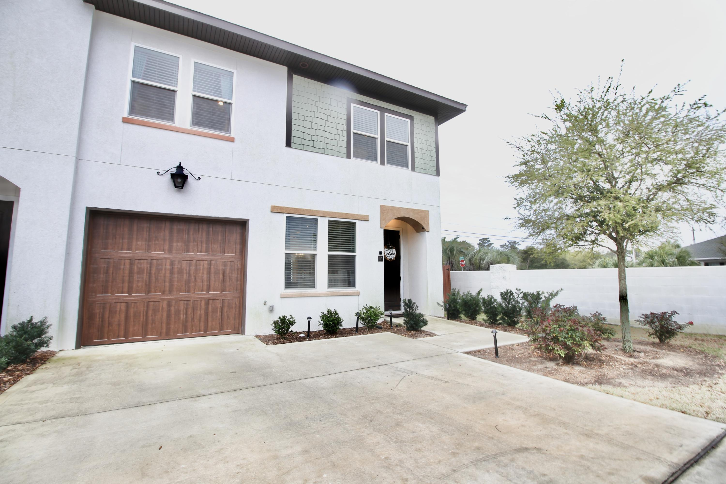 Photo of home for sale at 995 Airport, Destin FL