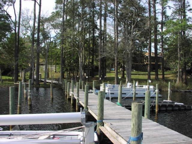 Photo of home for sale at 15 Hidden Cove, Valparaiso FL