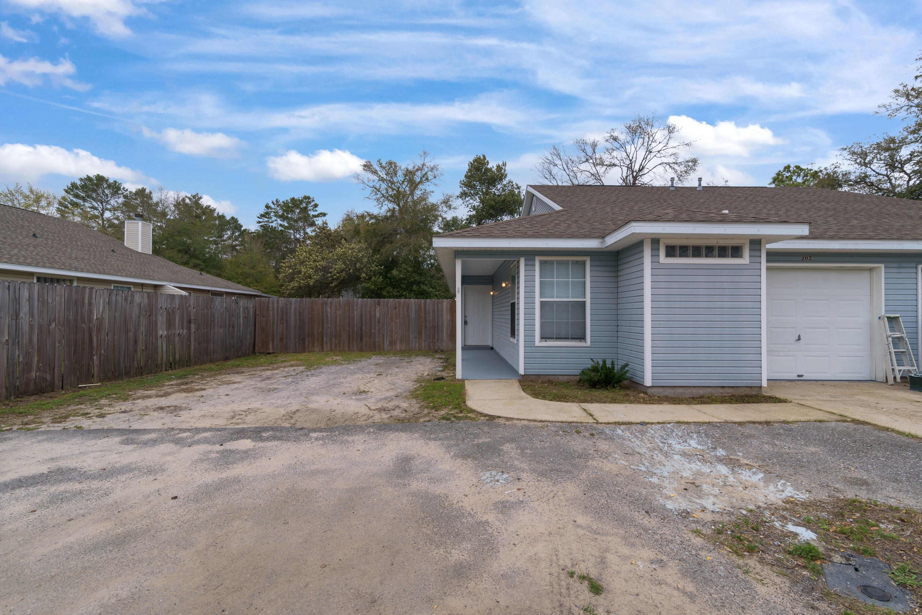Photo of home for sale at 203 Jenna Jessi, Fort Walton Beach FL