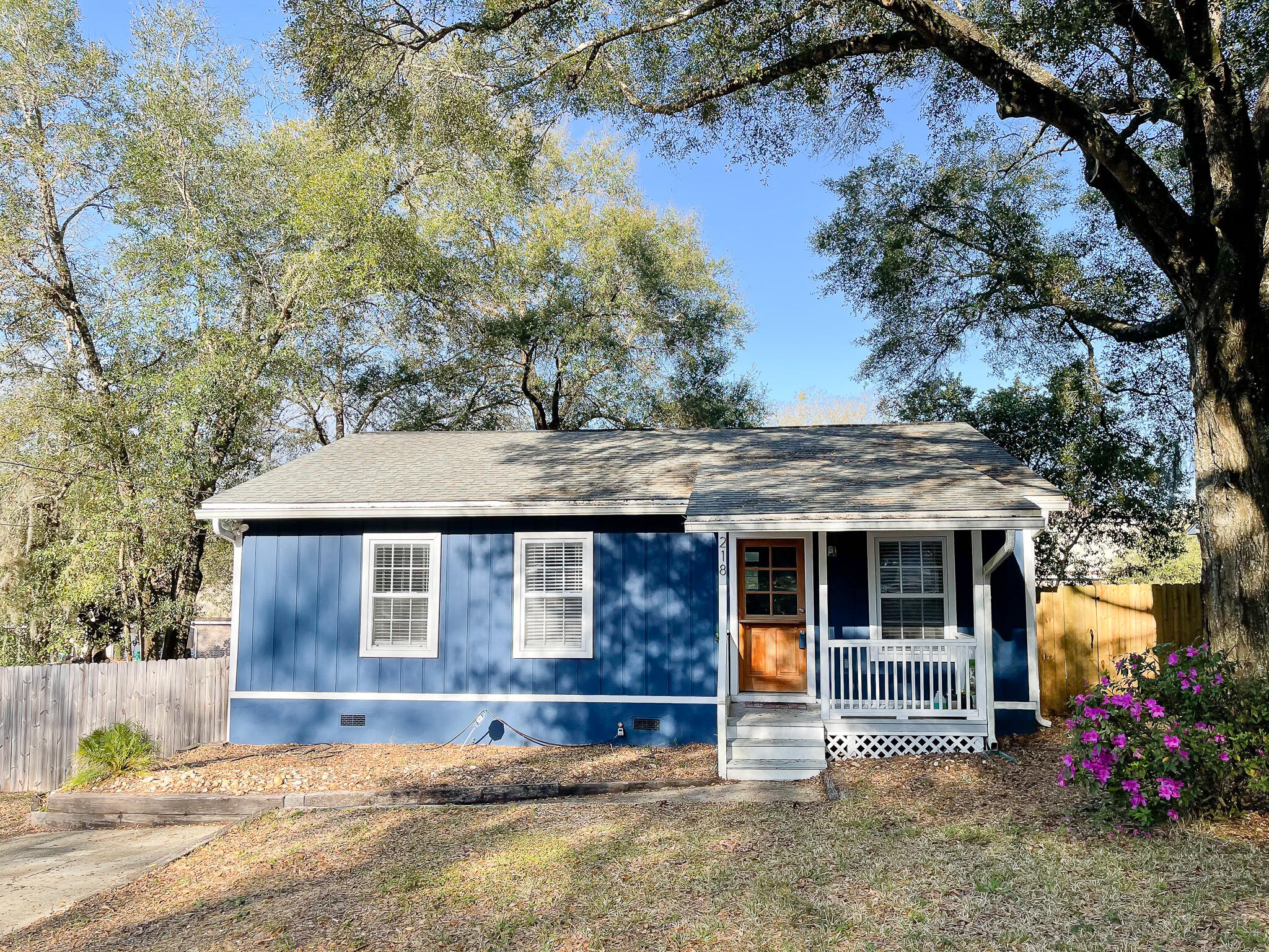 Photo of home for sale at 218 Cook, Niceville FL