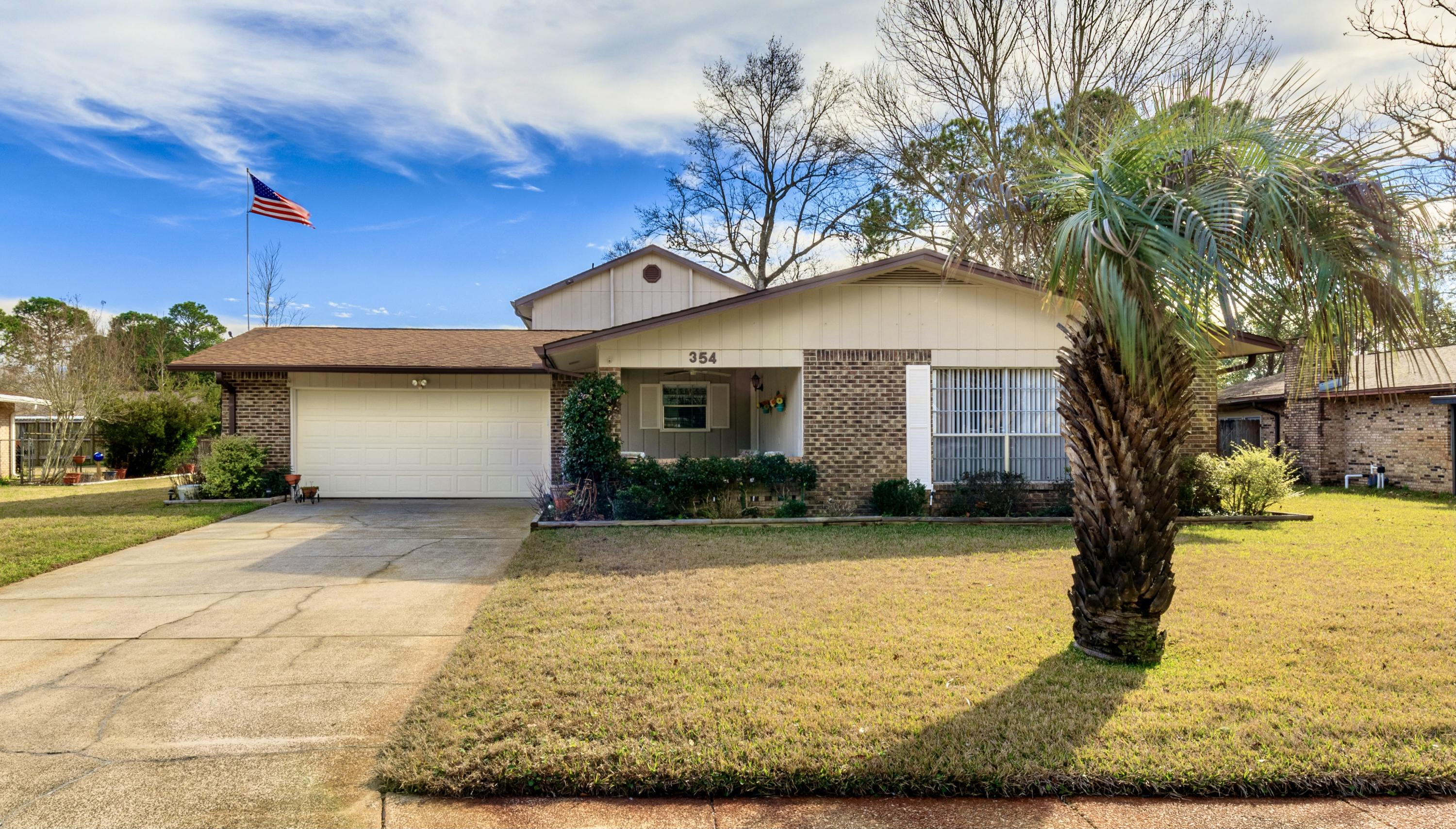 Photo of home for sale at 354 Jonquil, Fort Walton Beach FL
