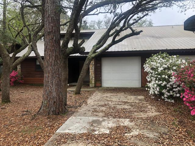 Photo of home for sale at 32 7th, Shalimar FL
