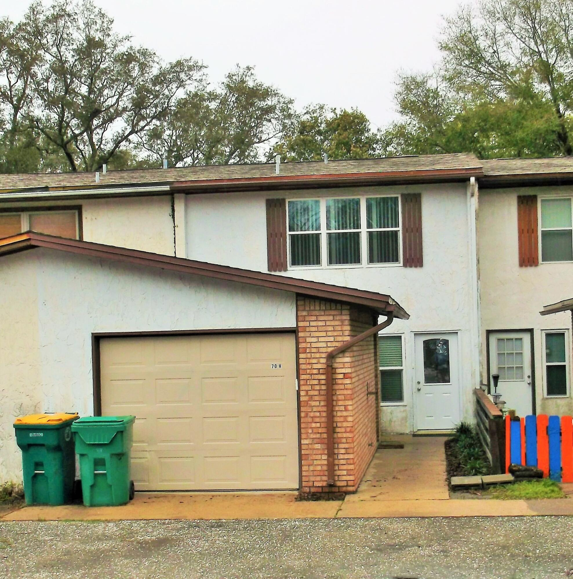 Photo of home for sale at 41 12th, Shalimar FL
