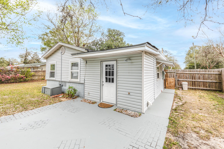 Photo of home for sale at 110 Hummingbird, Fort Walton Beach FL