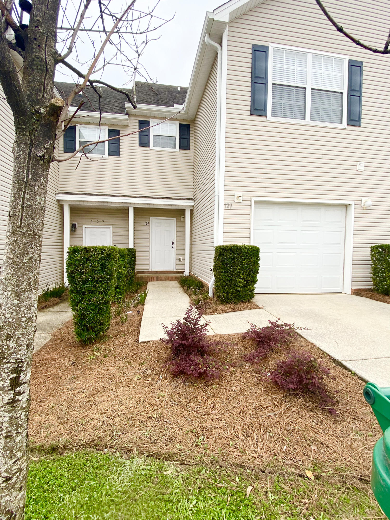 Photo of home for sale at 129 Farrah, Niceville FL