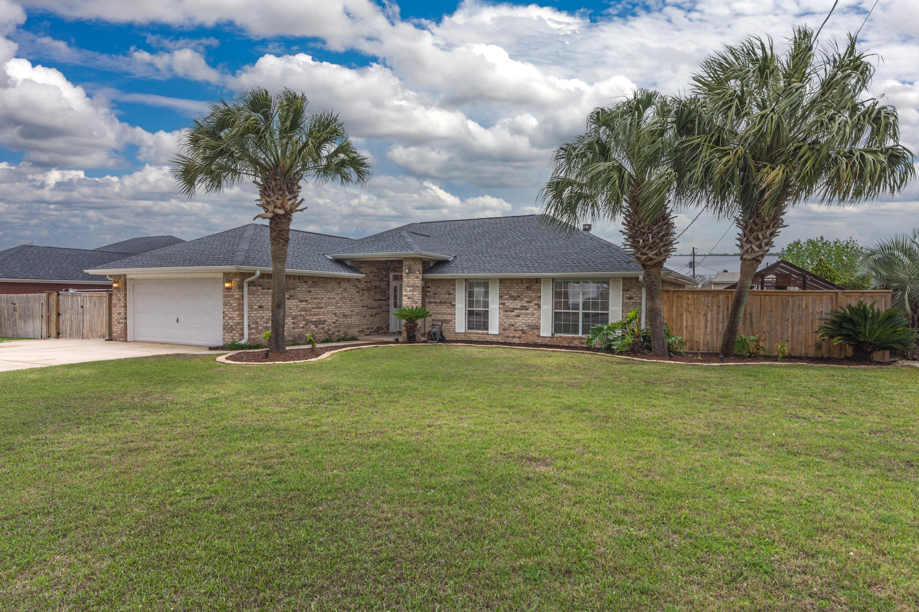 Photo of home for sale at 4863 Traxx, Crestview FL