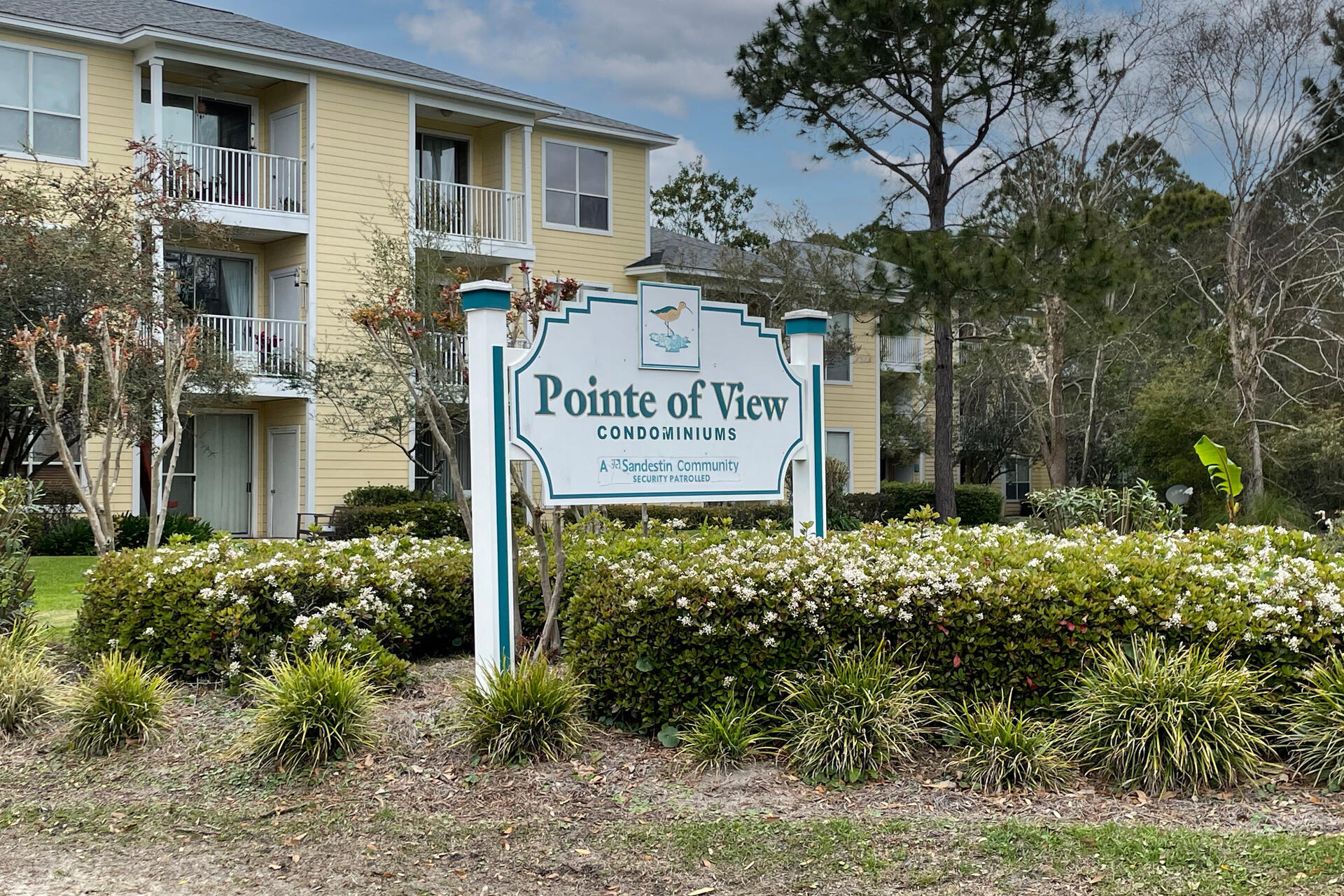 Photo of home for sale at 200 Sandestin Lane, Miramar Beach FL