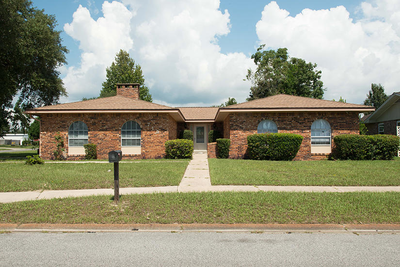 Photo of home for sale at 715 Osage, Fort Walton Beach FL