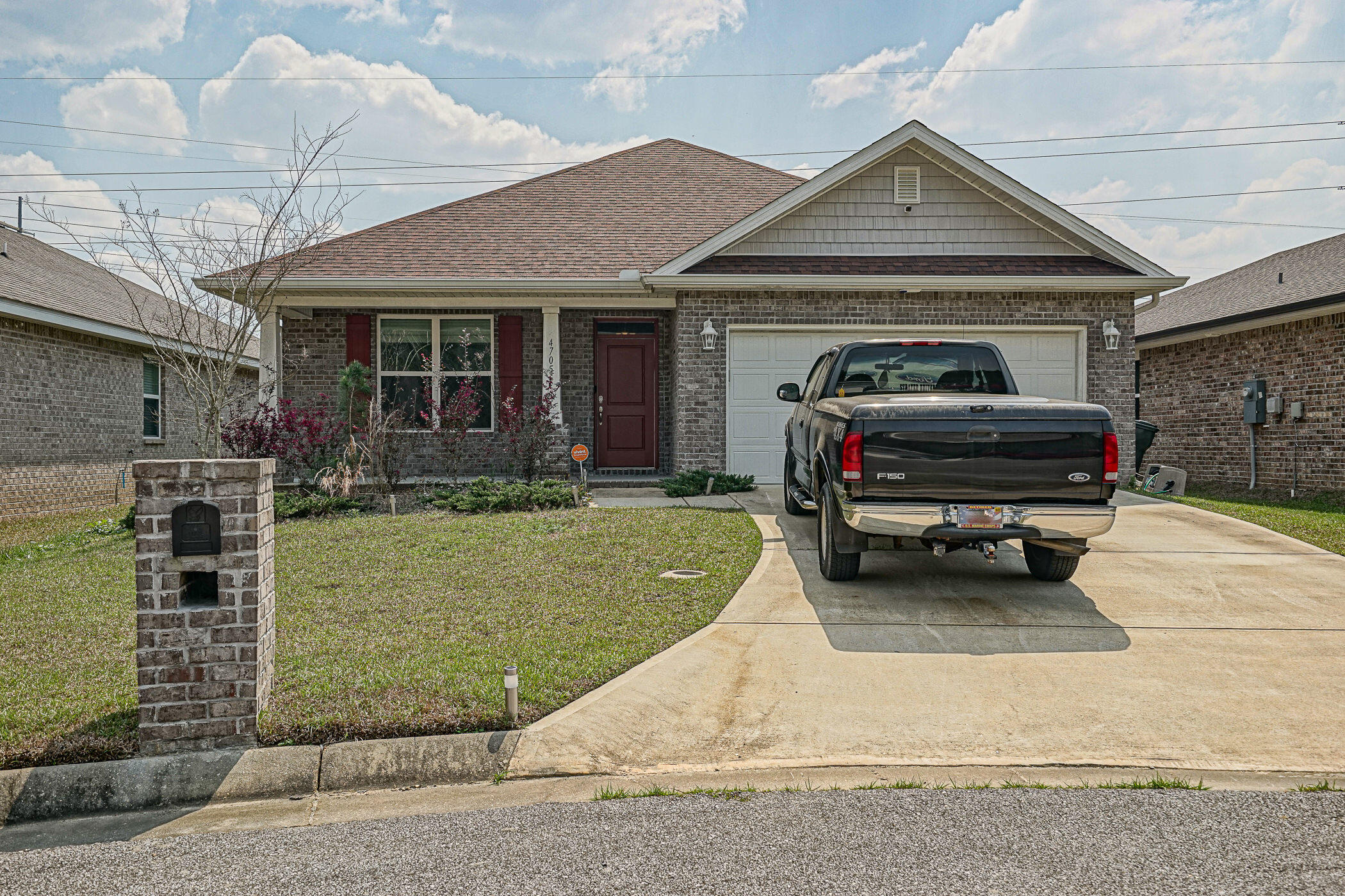 Photo of home for sale at 4705 Integrity, Milton FL