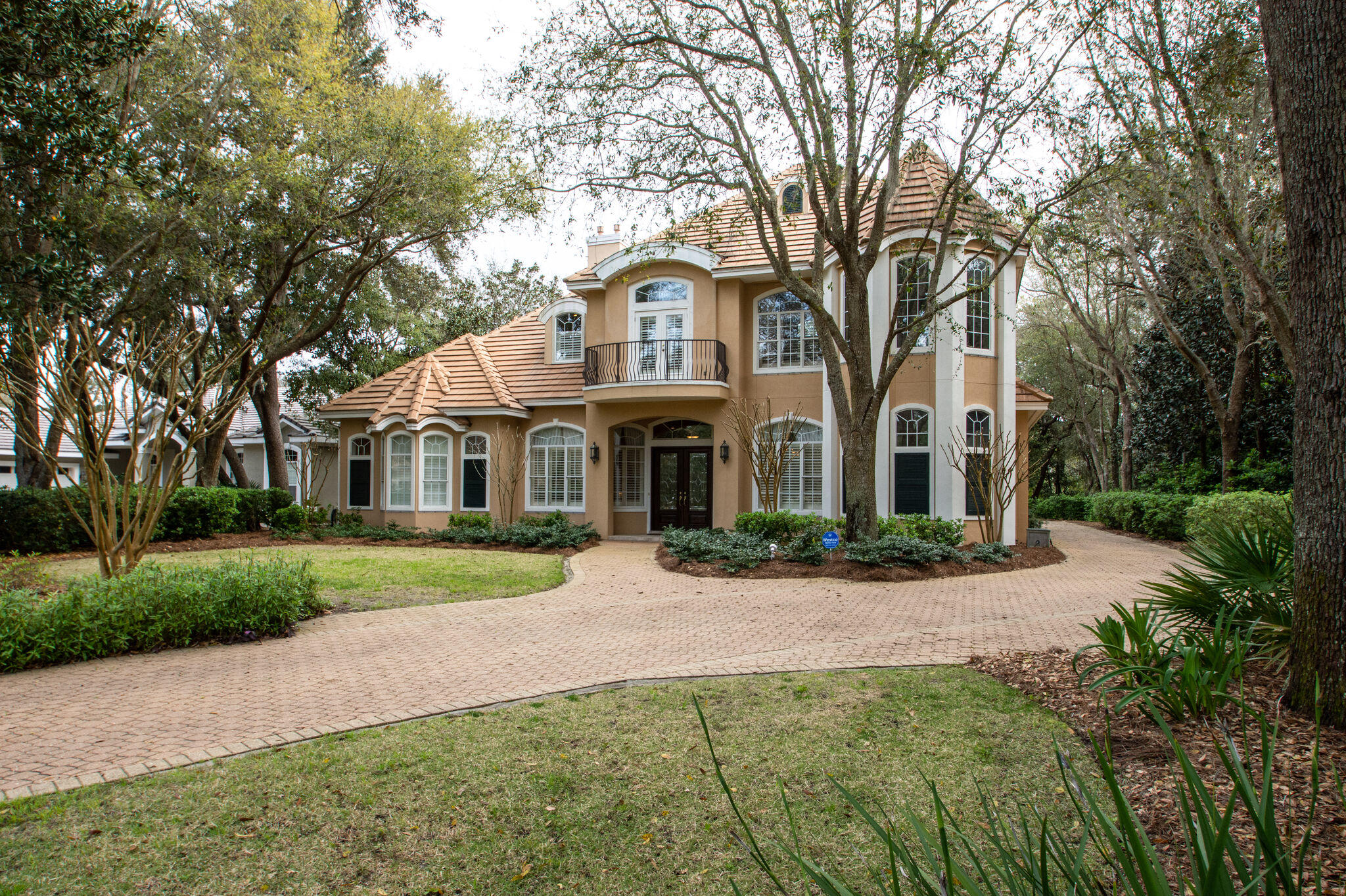 Photo of home for sale at 4519 Olde Plantation, Destin FL