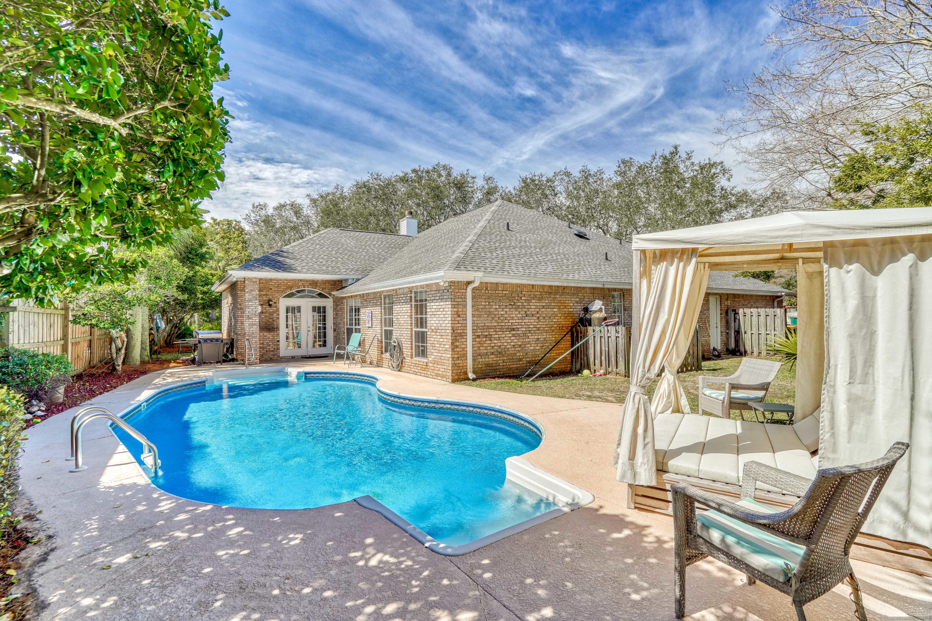 Photo of home for sale at 4116 Burning Tree, Destin FL