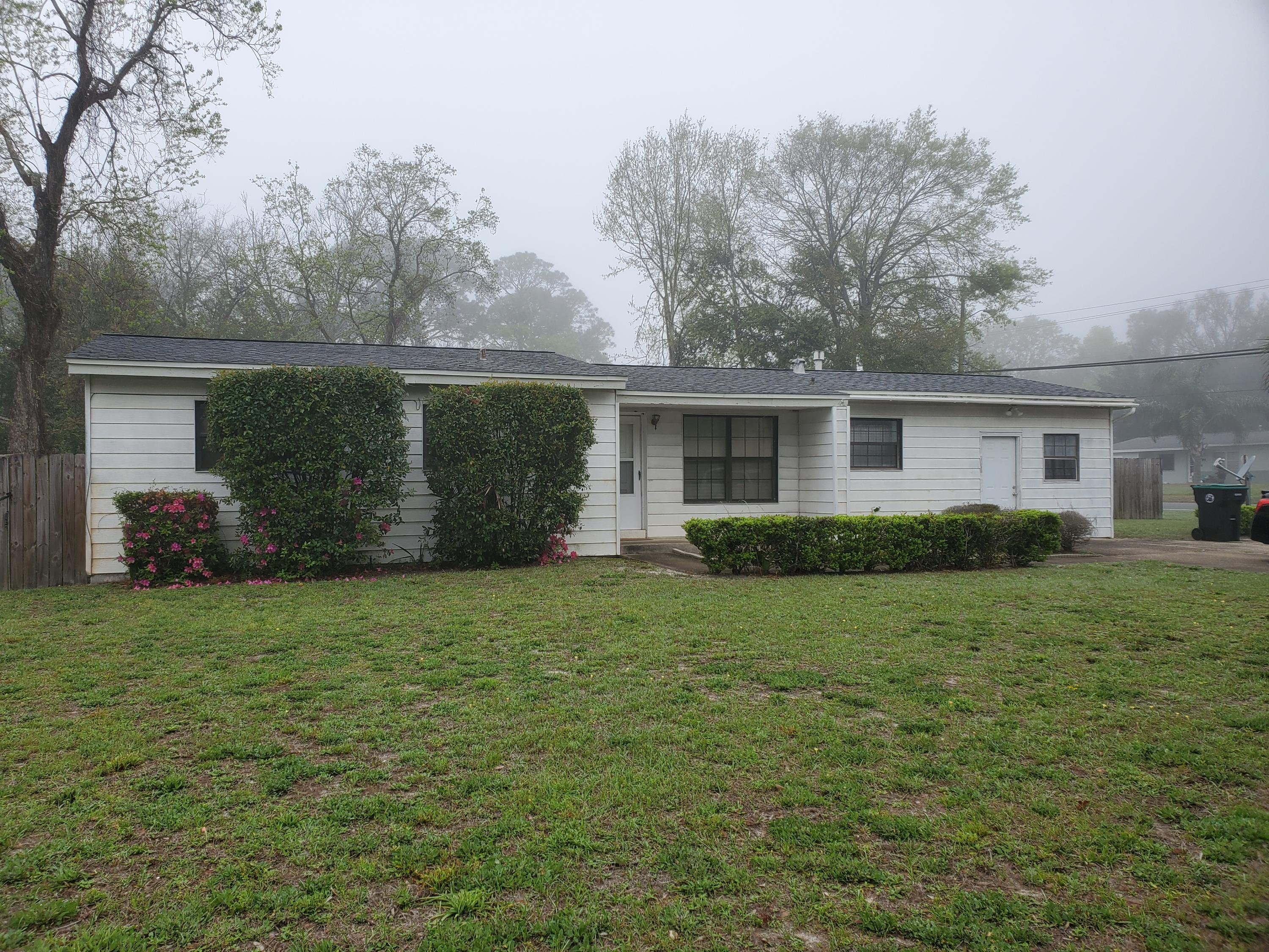 Photo of home for sale at 187 Bryn Mawr, Mary Esther FL