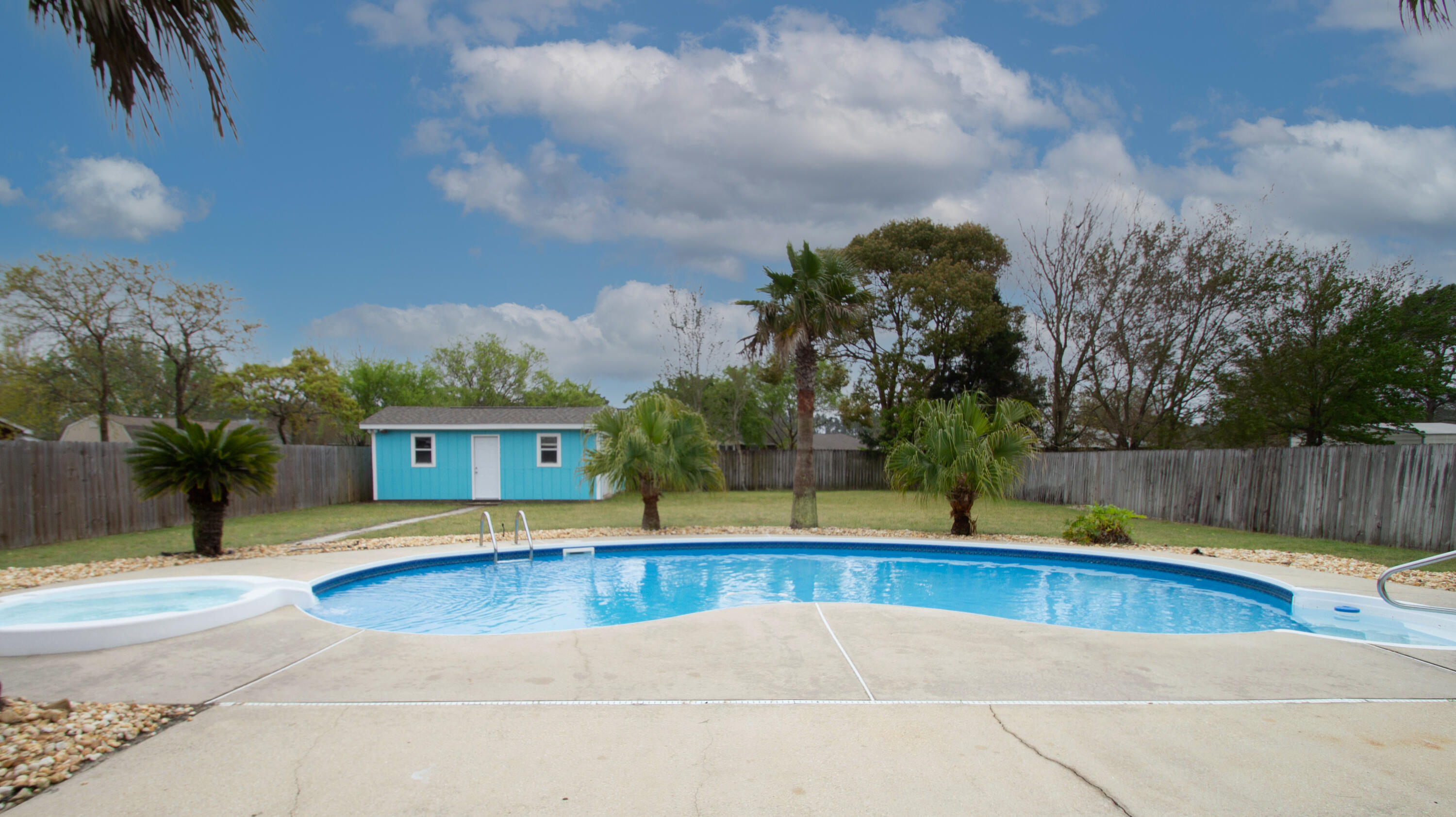 Photo of home for sale at 8251 Branston, Navarre FL