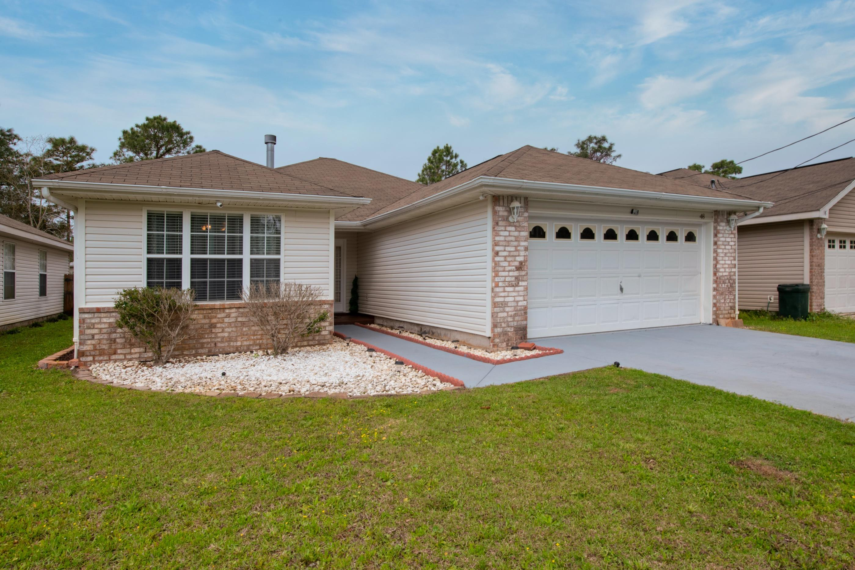 Photo of home for sale at 48 Howard, Niceville FL