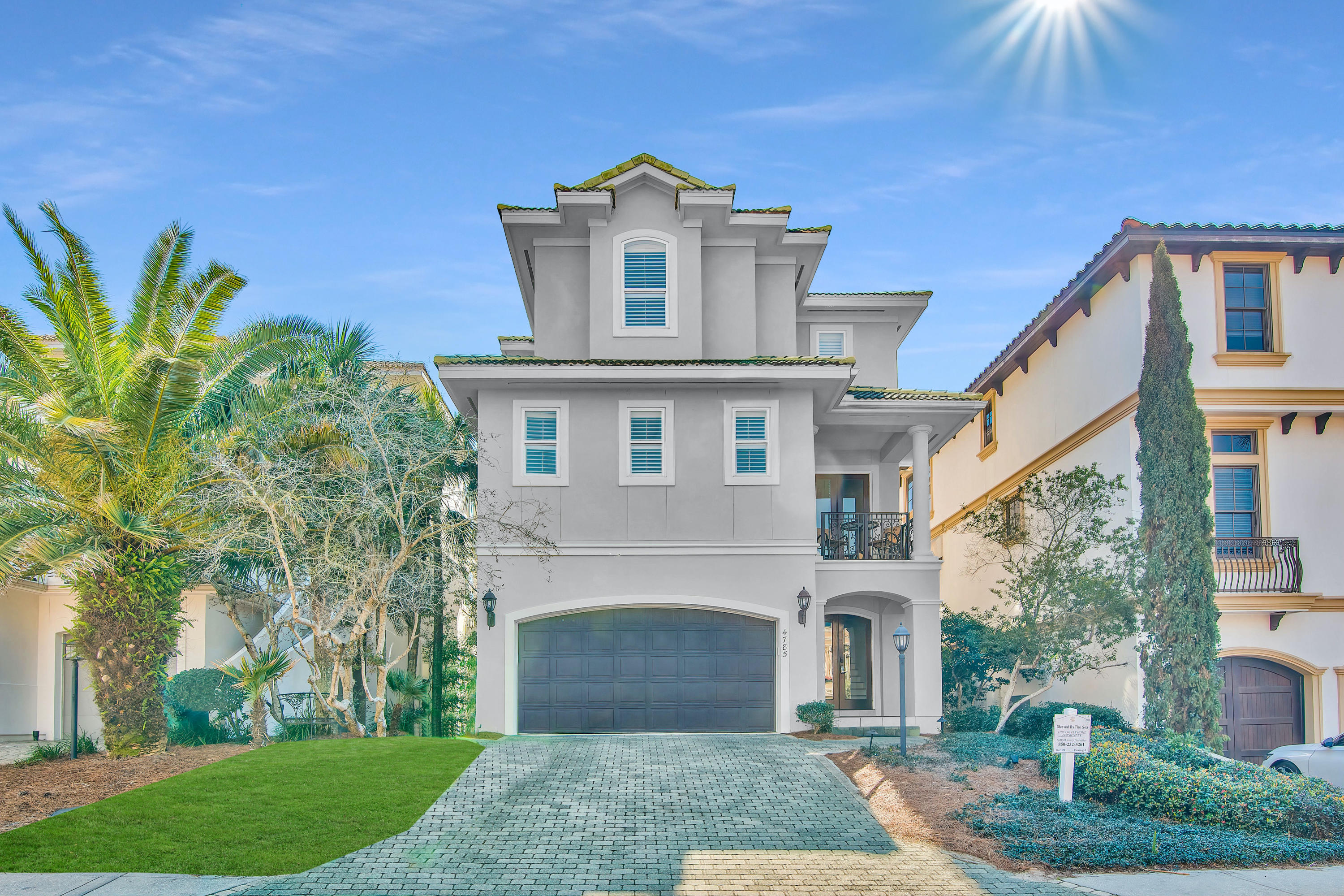 Photo of home for sale at 4785 Ocean, Destin FL