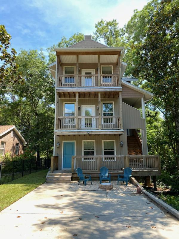 A 4 Bedroom 4 Bedroom Tower Acres Home