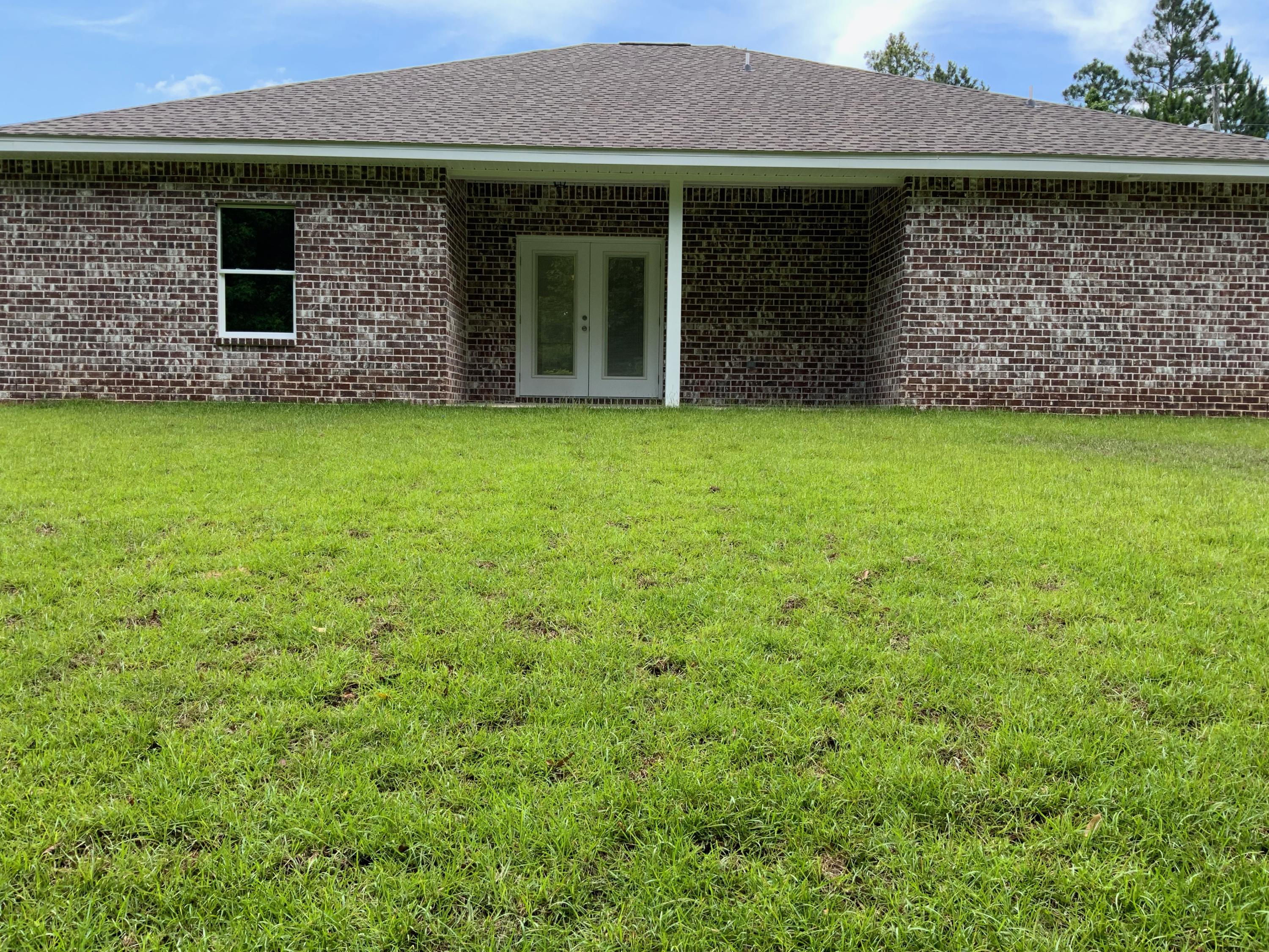 Photo of home for sale at 5631 Price Plantation, Baker FL