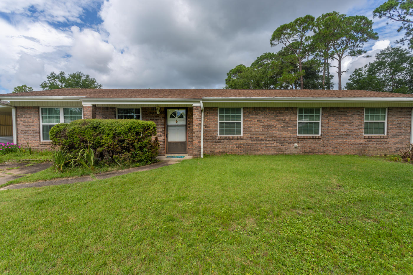 A 4 Bedroom 2 Bedroom Sherry Park Home
