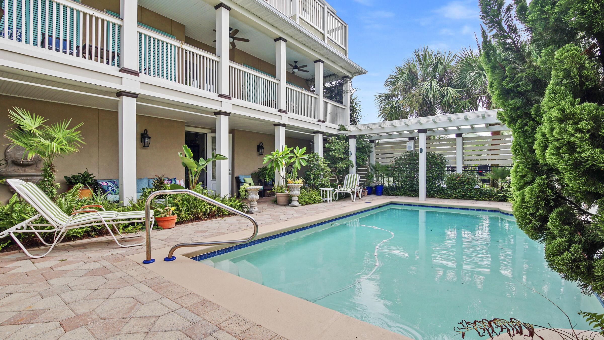 MLS Property 881813
