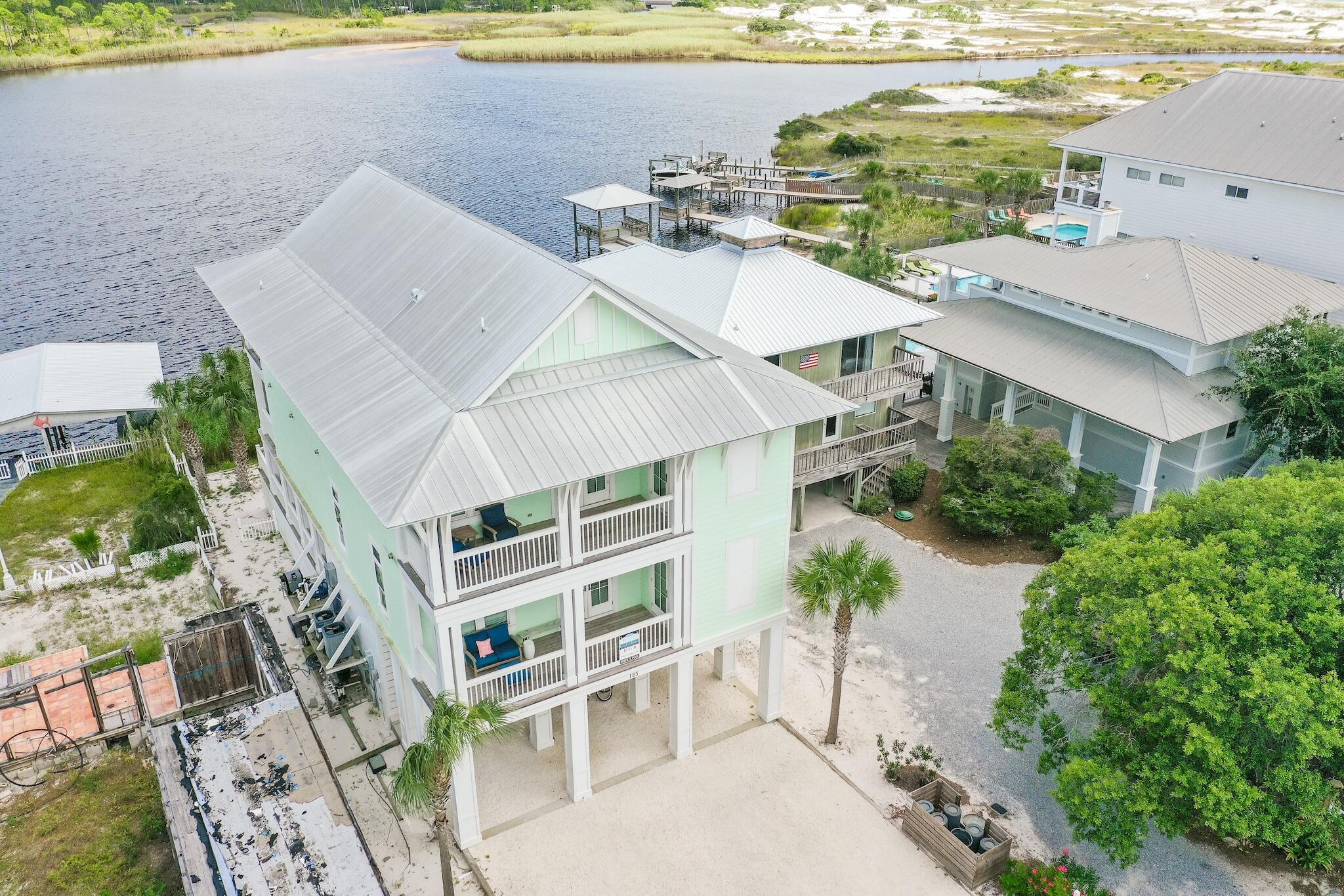 Pelican Property