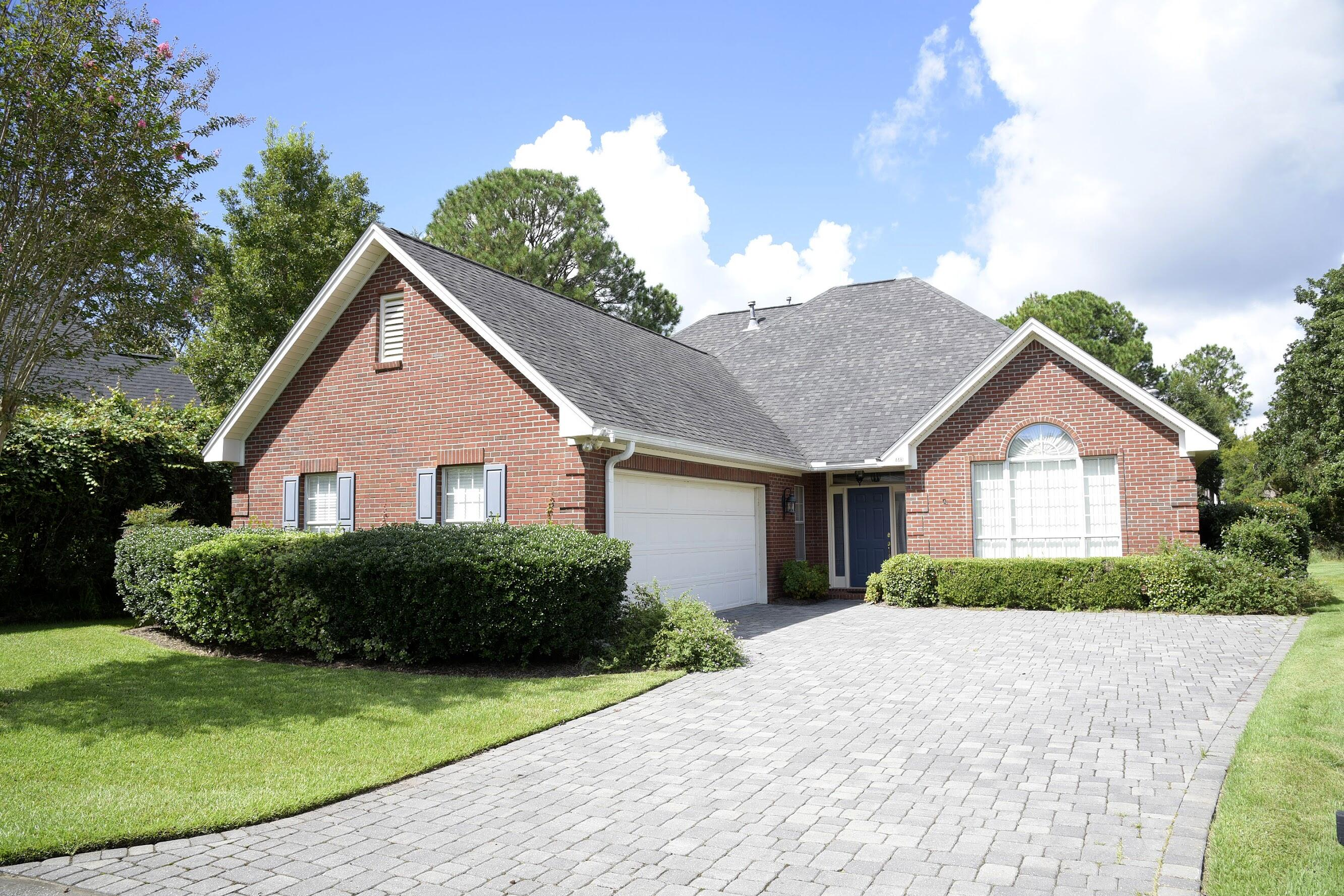 A 4 Bedroom 2 Bedroom Turnberry Place Home