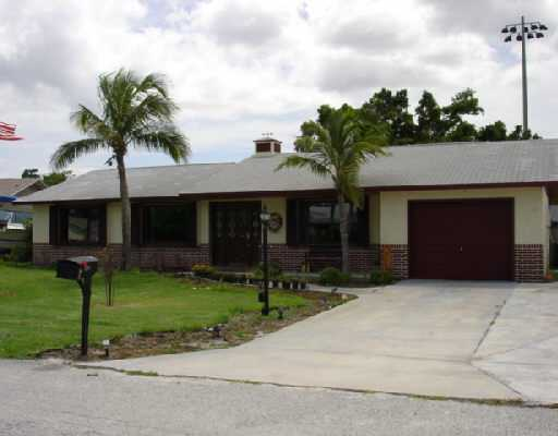 2462 NE 15TH, Jensen Beach, FL 34957