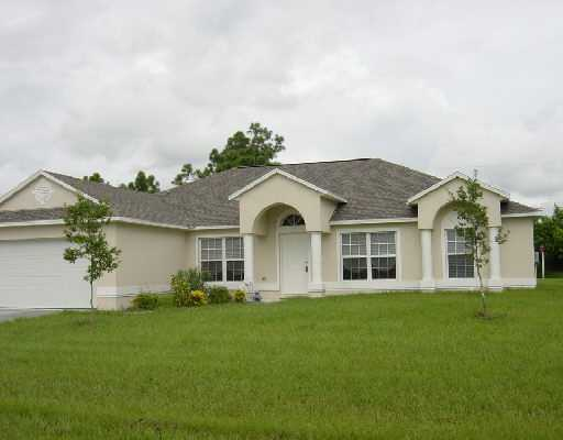 1049 SW DUBUQUE, Port Saint Lucie, FL 34953