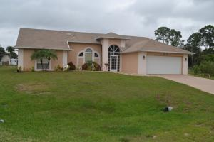 698 Sauders Rd Palm-Bay, FL 32909