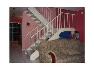 Additional photo for property listing at 860 W 81st Place 860 W 81st Place Hialeah, Florida 33014 Estados Unidos