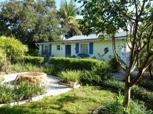 Casa Unifamiliar por un Alquiler en 9758 SE Cowles Street Hobe Sound, Florida 33455 Estados Unidos