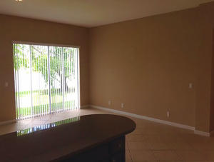 Additional photo for property listing at 655 Gazetta Way 655 Gazetta Way West Palm Beach, Florida 33413 United States