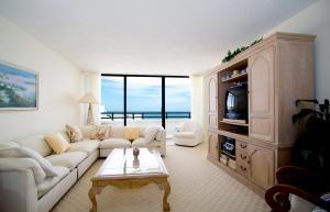 Condomínio para Venda às 3560 S Ocean Boulevard 3560 S Ocean Boulevard South Palm Beach, Florida 33480 Estados Unidos