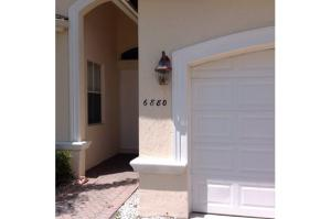 Additional photo for property listing at 6880 Houlton Circle 6880 Houlton Circle Lake Worth, Florida 33467 Estados Unidos