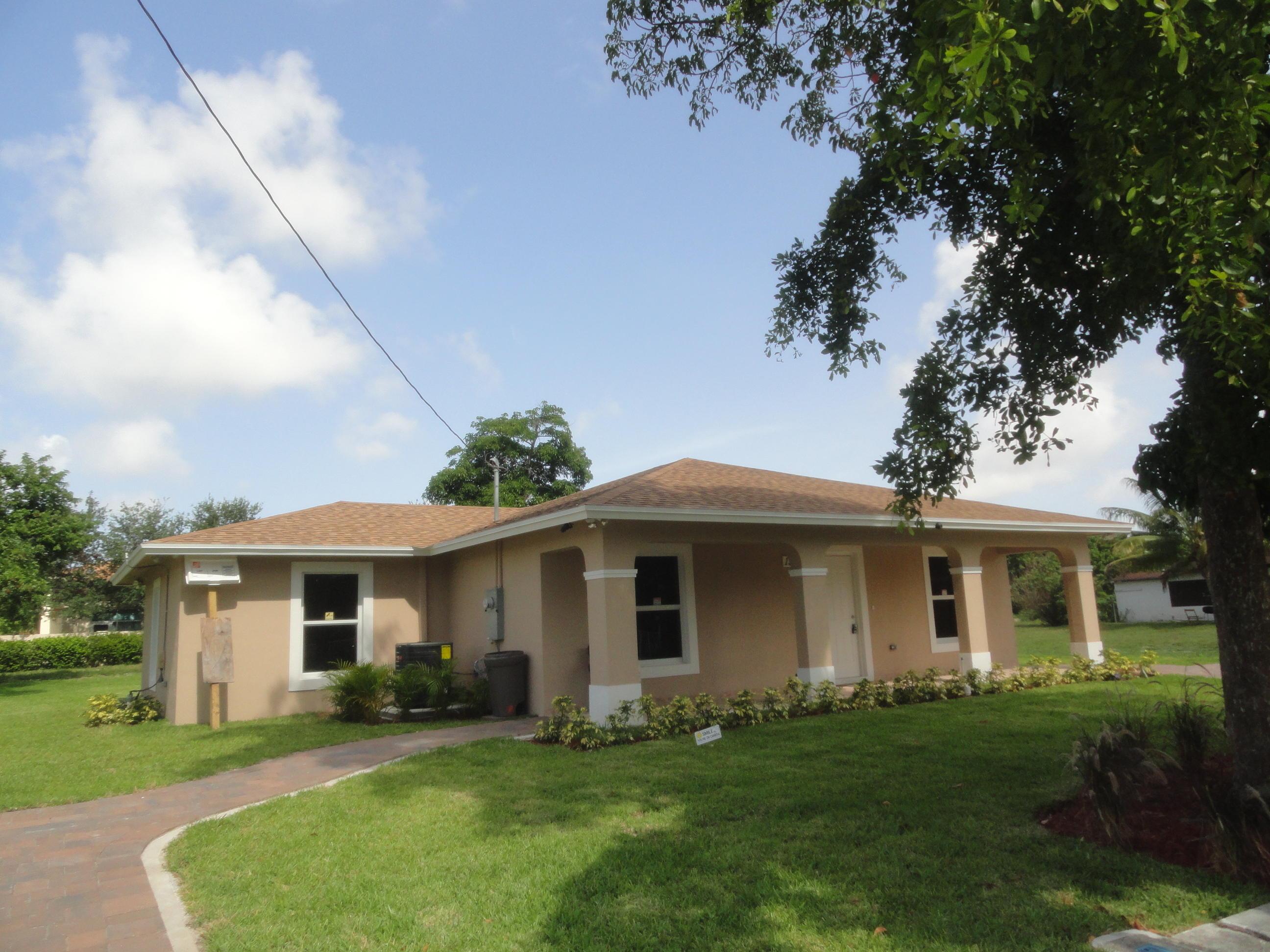 1548 Suwanee Drive West Palm Beach, FL 33409